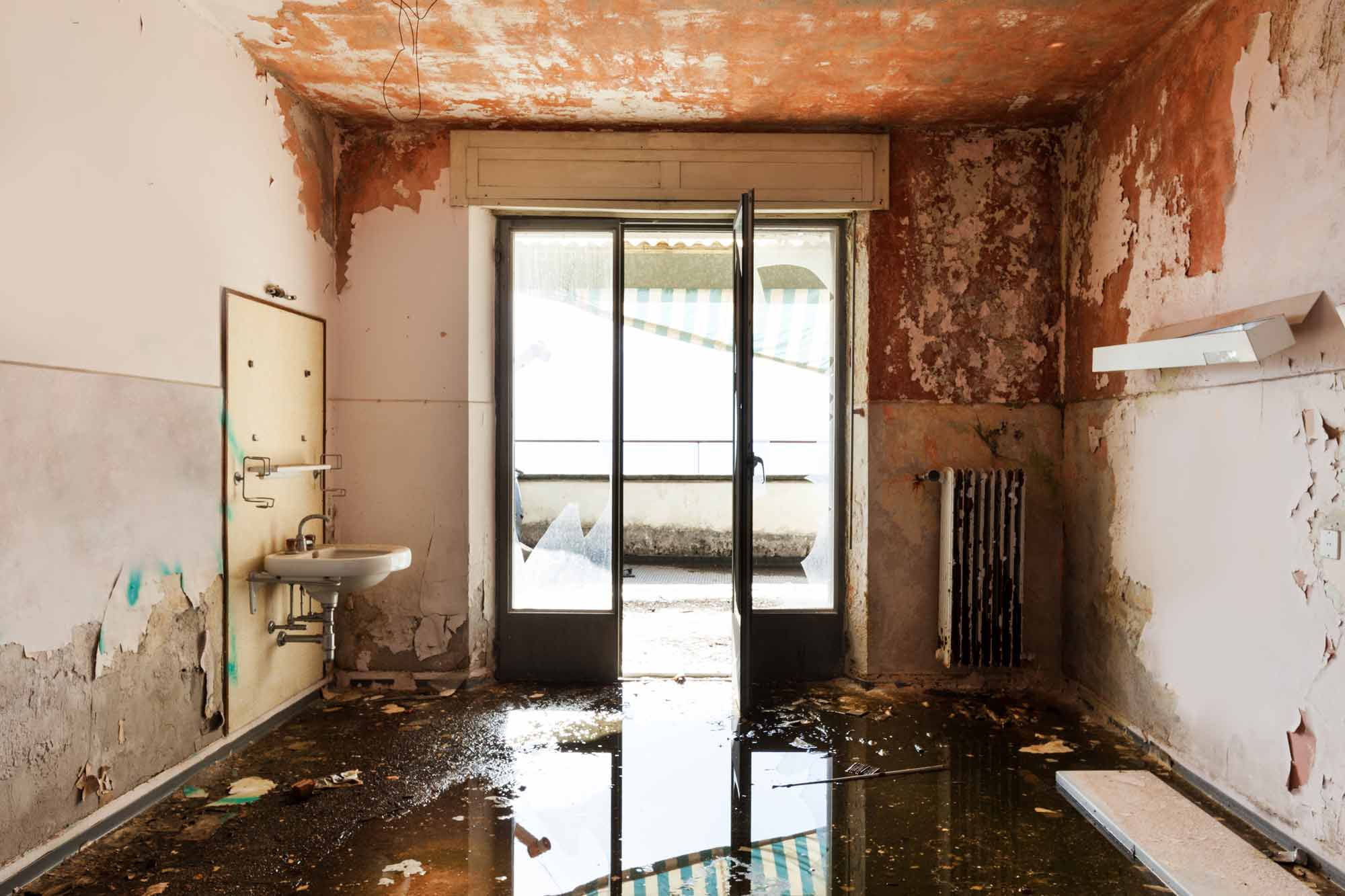 water damage restoration service in San Jacinto, Hemet, Moreno Valley, Menifee, Beaumont, Yucaipa